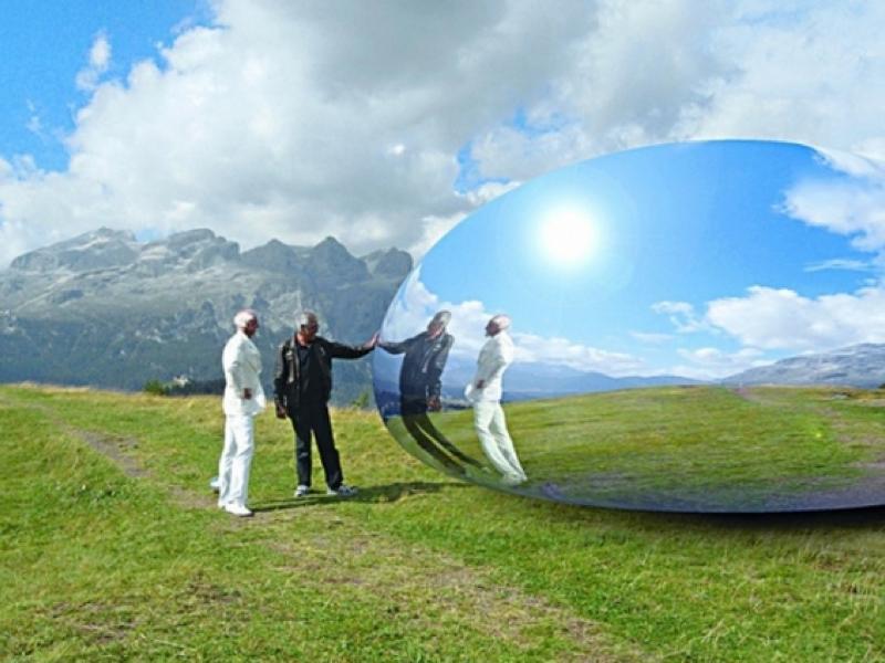 360度の星空を楽しめる「アルピーン・カプセル」