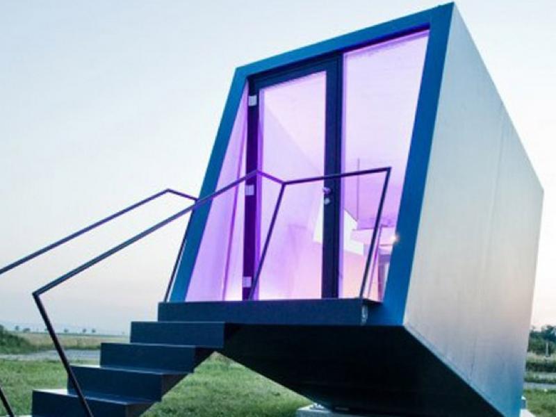 スタイリッシュなモバイルホテル「hypercubus」