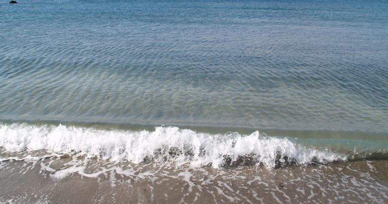 葉山町にある一色海岸