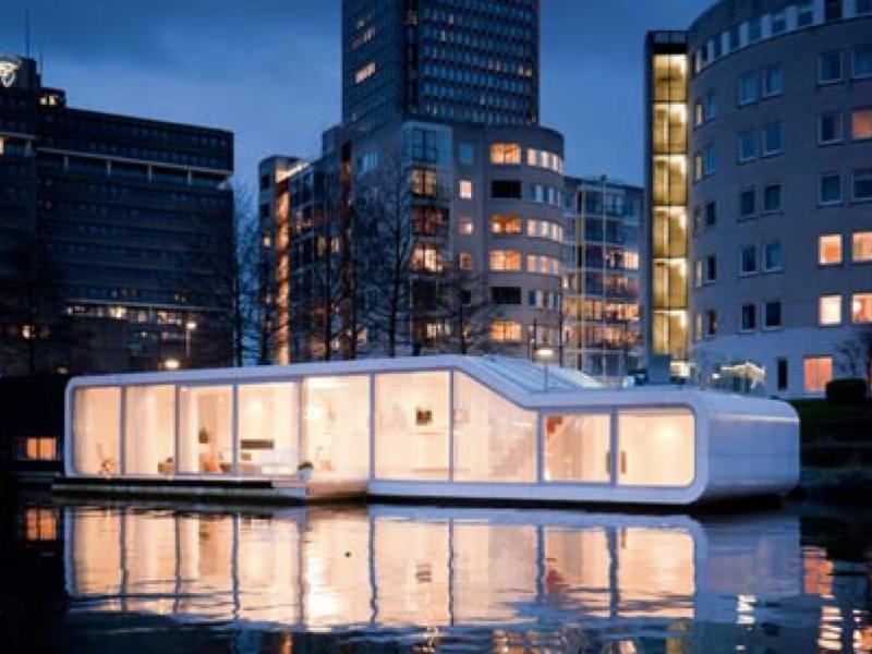 夏の終わりは屋形船!?じゃなくハウスボートで癒やされよう「Split-Level Houseboat」