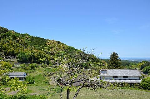 物件がある上毛町・有田地区からの眺望。遠く、瀬戸内海まで見渡せます。