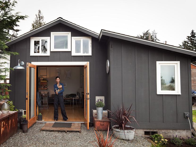 女性の手で作り上げたDIYガレージハウス「Mini House」