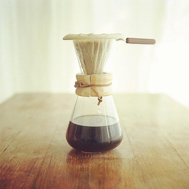 時間をかけてコーヒーを淹れる。部屋中に漂う香り。最高のブレイクタイム。|豊かさとは