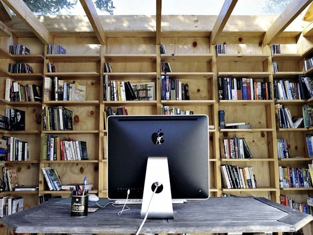 Whimsical-Shed-Work-Space-by-Office-Sian-Architecture-5