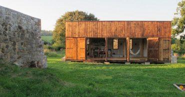 牧場の納屋を再生!ヨーロッパの素朴な隠れ家「A simple rustic retreat」