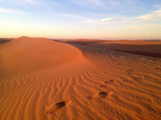 モロッコのサハラ砂漠にて