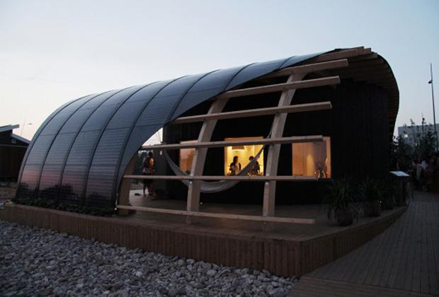 伝統的な設計と最新のエコ技術を活用してスウェーデンの学生が考えた学生の家「HALO」