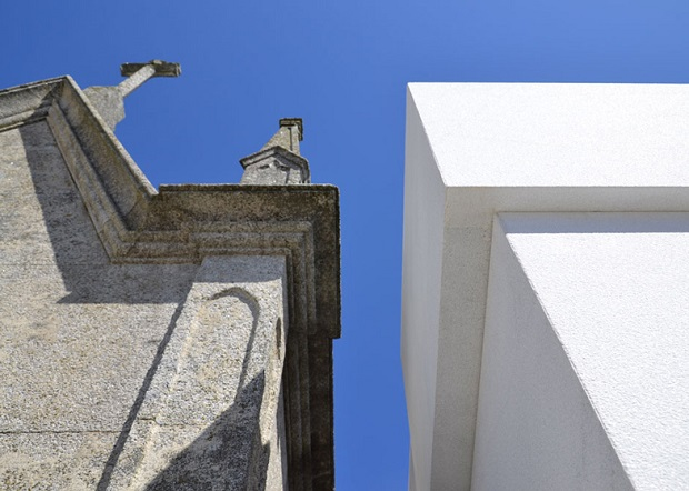 Cube-shaped mausoleum_3