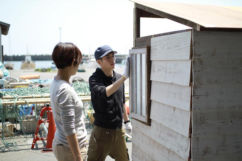ただ眺める、橋口さん(左)