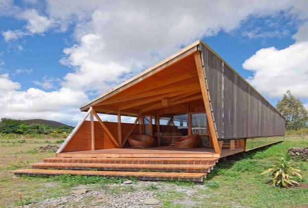 利用可能な天然資源を最大限に活かした、環境に優しいイースター島の宿泊施設「morerava cabin」