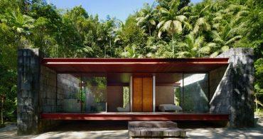 光と風が通り抜ける、石とガラスで出来た家「Rio Bonito House」