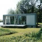 大自然と溶け込む様にスローライフを楽しむ、可動式ボートハウス「Boat House by B+O Architectuur」