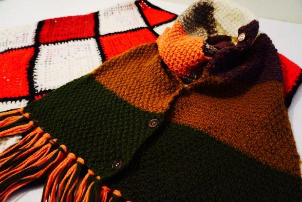 ノスタルジックな膝掛けやショール。「買い手が決まっていることで、つながりを感じながら製作できる」とは編み手さんの声。
