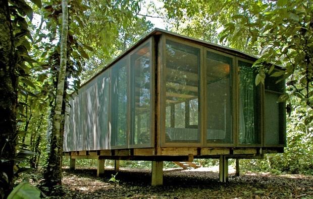 サンパウロの熱帯雨林に佇む「Casa na Mata(森の中の家)」