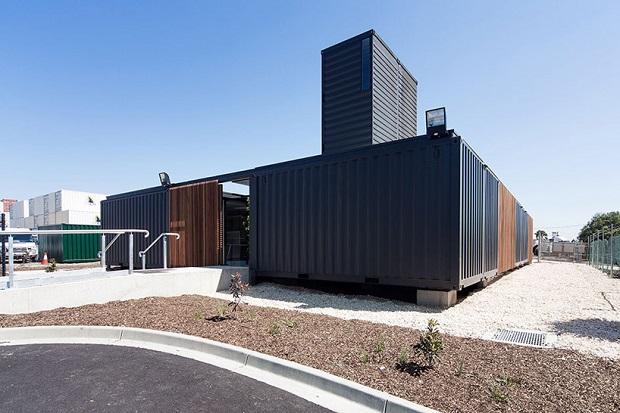 コンテナ会社のオフィスは開放的なコンテナだった  「connected shipping containers」