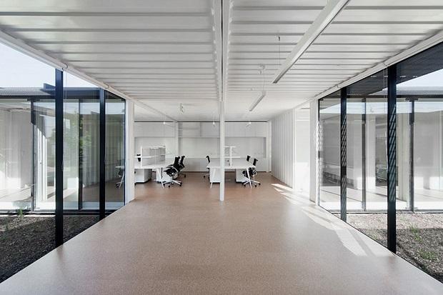 620room-11-royal-wolf-melbourne-headquarters-designboom-11