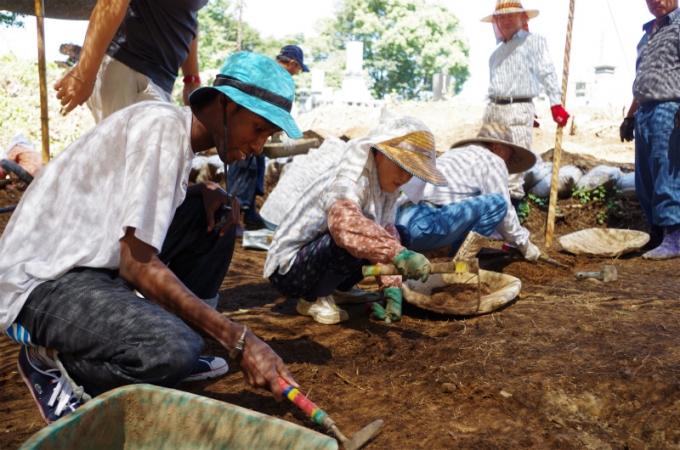前回は現地の方の伝統的な農作業について学ぶなどが行われました。