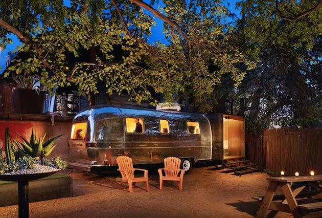 ヴィンテージ感溢れるラウンジ「Airstream Greenroom」