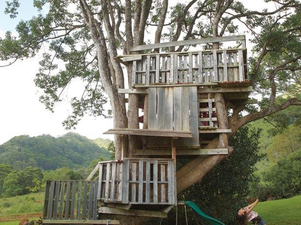 01_gamby-residence-exterior-treehouse
