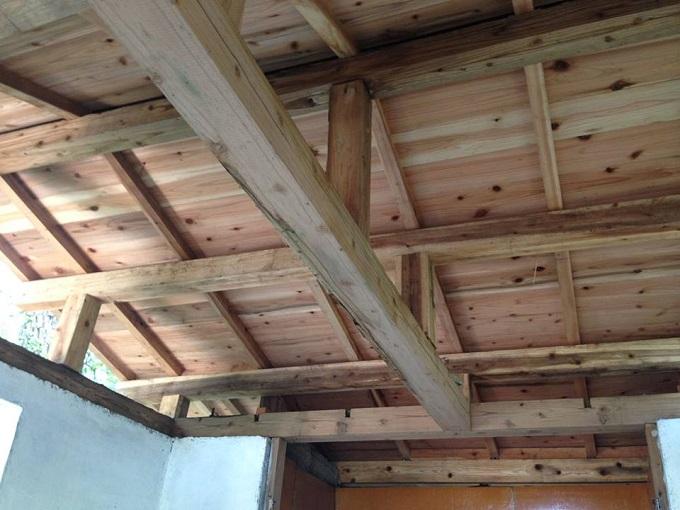 一日であっという間に屋根を修復。これからの台風シーズンも安心!