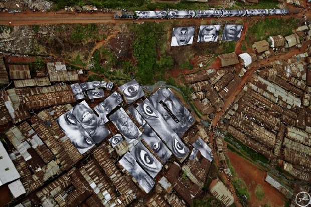 28_millimetres_-_women_are_heroes_action_in_kibera_slum_general_view_kenya_2009
