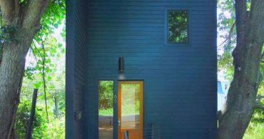 ミニマムな予算でかなえる、ウィークエンドハウスの夢「THE BLUE HOUSE」