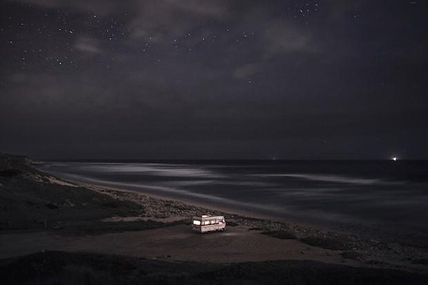 写真家は海を旅する「A Van in the Sea」