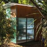 建築家の作った、子どものための遊び小屋「Modular Backyard Playhouse」