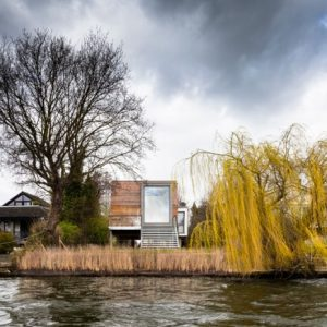 ben-adams-architecture-chiquet-flood-house-designboom-01