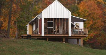 大恐慌時代に建ち、うち捨てられた農家が美しい自然の中で再生「Farmhouse Redux」