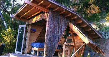 景色に溶け込み自然と一体になって暮らす「HAWK HOUSE by Alex Wyndham」