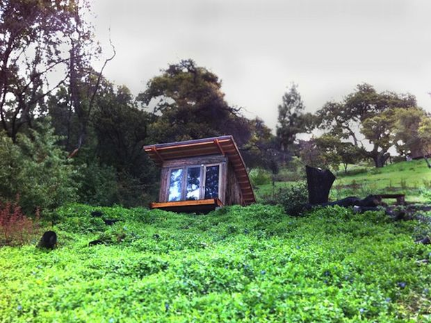 90-Square-Foot-Timber-Home-in-Big-Sur-3 5