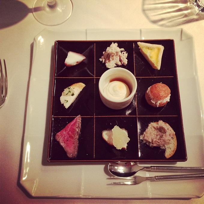 伊勢外宮近くのレストラン、ボン・ヴィヴァンのアミューズ。繊細な盛り付けが美しい。