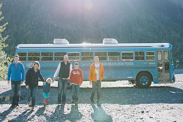家族の時間は有限、みんなで旅する家「The Big Blue Bus」