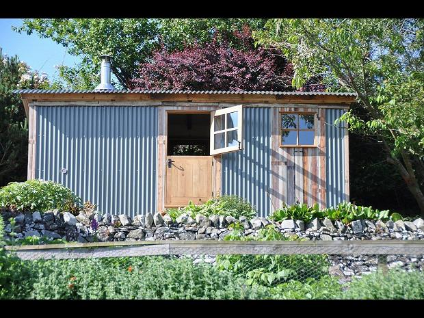 gardeners hut 3