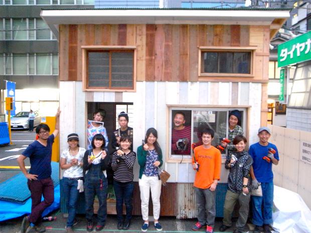 「小屋展示場」の施工参加者は7割が女性、合計で30名以上の方々が関わってくださいました。