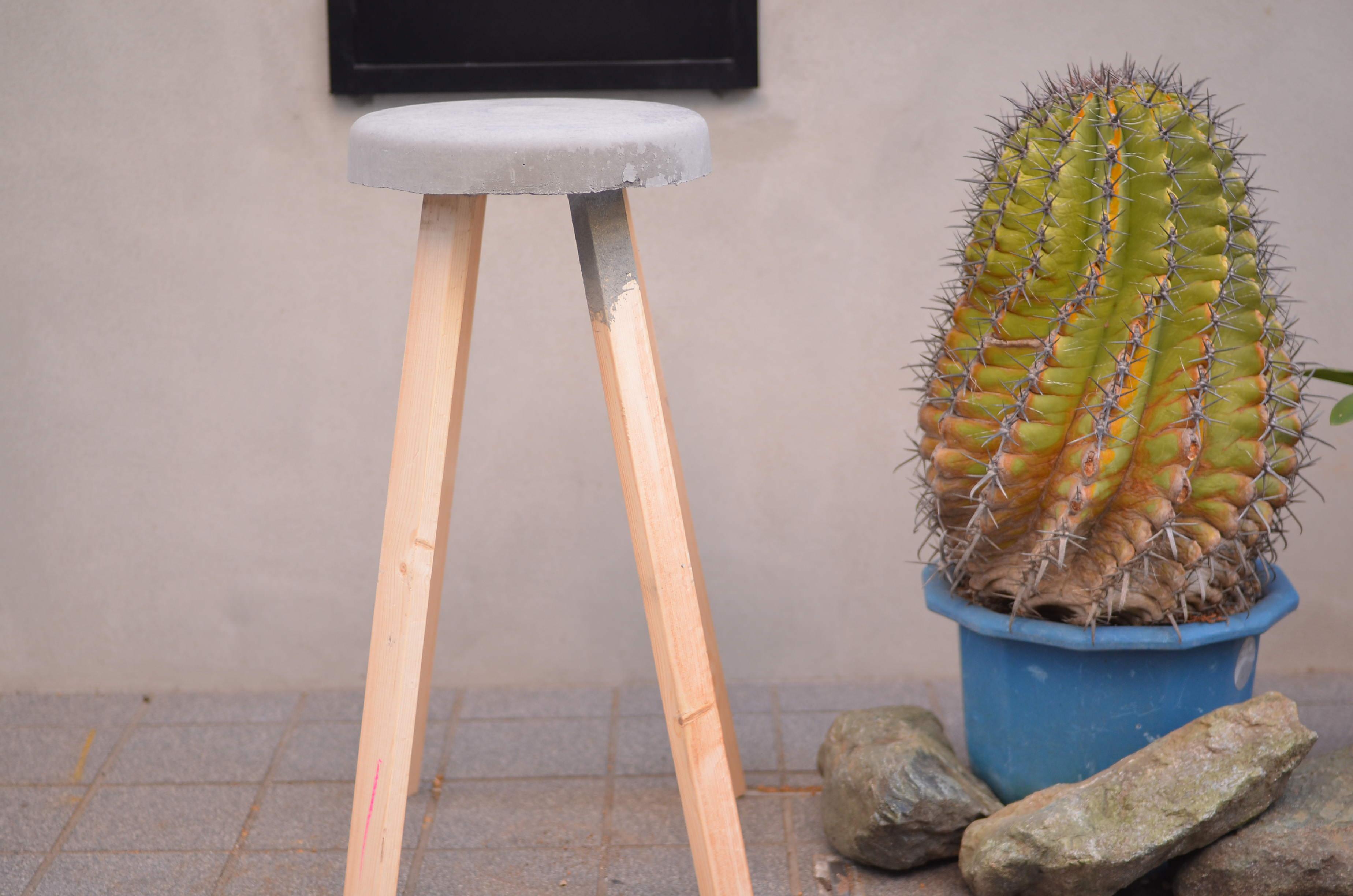 思ったより簡単!「コンクリートスツール」を作ってみよう 〜Let's DIY by YADOKARI〜