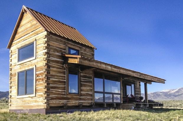 clark-stevens-little-lost-cabin-exterior7-via-smallhousebliss