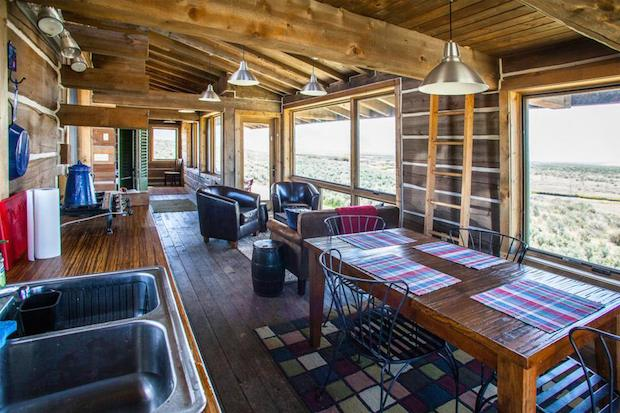 clark-stevens-little-lost-cabin-interior4-via-smallhousebliss