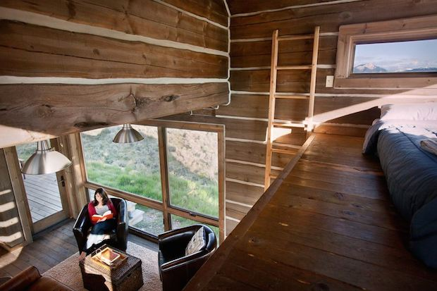 clark-stevens-little-lost-cabin-loft3-via-smallhousebliss