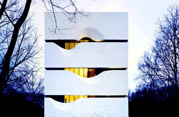 「声」はデザインによって「住まい」になる。重箱のようなお家「CIPEA #4」