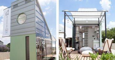 南アフリカの明るい空に映える家「POD/indawo」