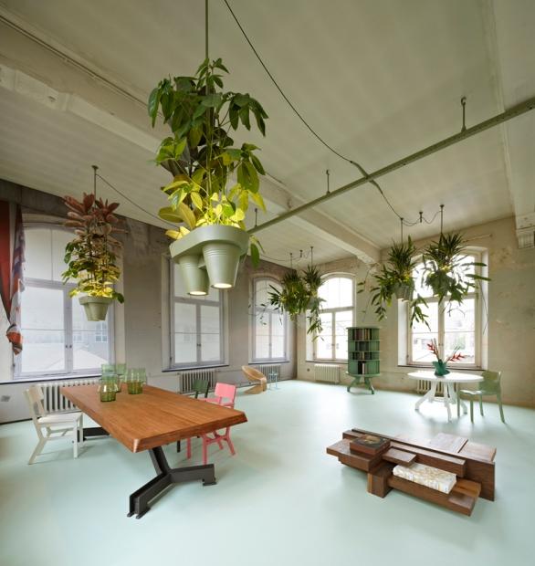roderick-vos-bucketlight-plant-fixture-designboom01