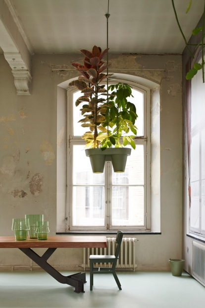 roderick-vos-bucketlight-plant-fixture-designboom023