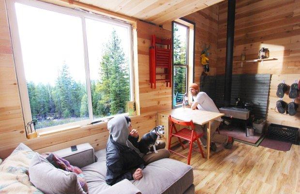 snowborder's_micro_cabin03
