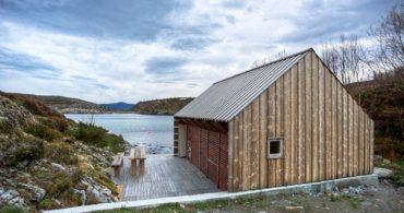 150年前のボートハウスを大変換!風景をつなぐ「The boathouse」