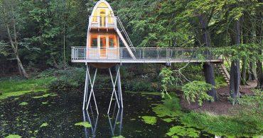 緑豊かな地球に降り立った、宇宙船のようなツリーハウス「Solling」