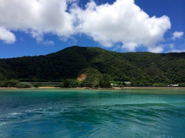 奄美大島に買出しに行く時はいつもこの景色を眺めながら船に乗ります。