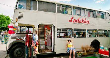 2階建てバスをブティックに、ノスタルジックな想いを乗せて走るモバイルショップ「Lodekka」