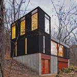 コンパクトだから快適な、森の中の小さな住まい「Staked Cabin」